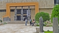 Vor dem Nationalmuseum von Aleppo